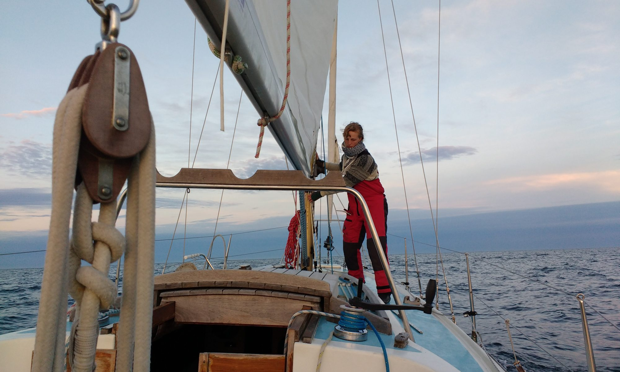 SAILING ALONE ON S/Y CAPRICE